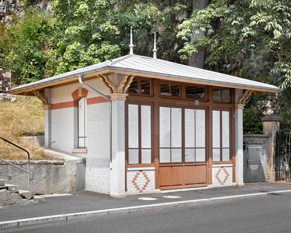 The bus stop designed by Léo Châtelain around 1900 and transformed in 2015 into Palais–Galerie - © Photograph: Prune Simon-Vermot, Swiss Design Awards Blog